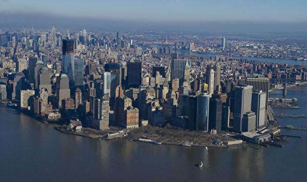 世界之都纽约热盼神韵。纽约俯瞰曼哈顿岛。(戴兵/大纪元)