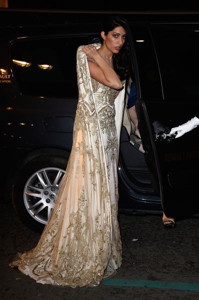 2013年11月30日,法国巴黎,印度Jaisalmer皇室家族成成员Askhita Bhan jdeo公主穿着Zuhair Murad礼服参加名媛成人礼舞会。 (Pascal Le Segretain/Getty Images)