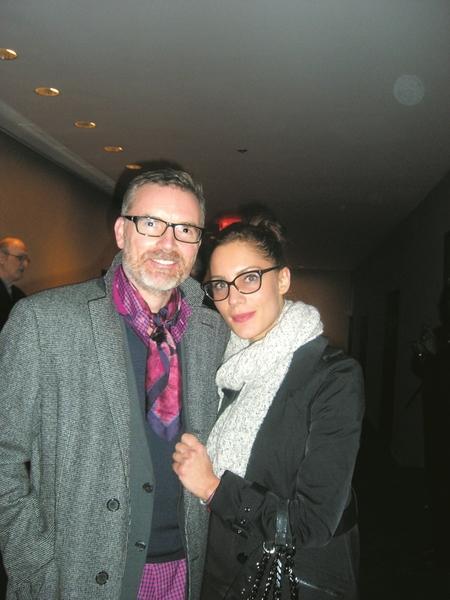 奢侈护肤品牌奥伦纳素(Erno Laszlo)执行总裁丹顿(Charles Denton,左)与朋友Melina Stanislavova于2014年1月16日在纽约林肯中心神韵晚会。(徐竹思/大纪元)