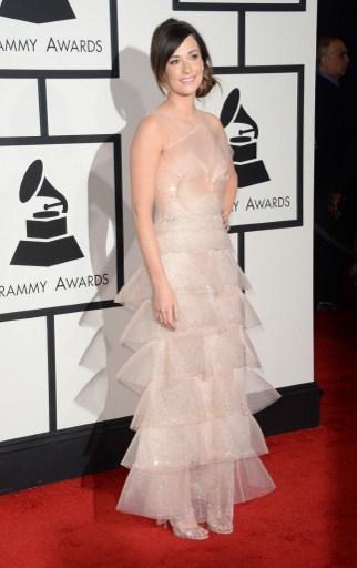 鄉村歌手凱茜•馬克格雷夫斯身著Armani Prive裙裝備顯輕盈。(ROBYN BECK/AFP)