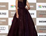 孔孝真2012年出席韩国电影青龙奖颁奖礼资料照。(Chung Sung-Jun/Getty Images)