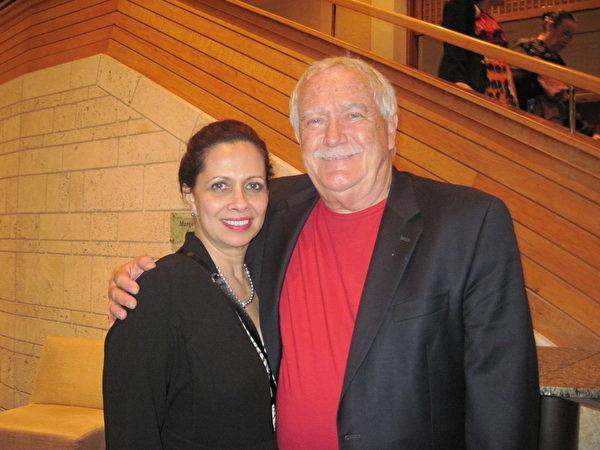 George Silva退休前是佛州一家製造業公司的副總裁。1月31日晚,他與太太觀看觀看了神韻晚會後說,神韻晚會非常精彩,他們非常陶醉。(秦紫寰/大紀元)