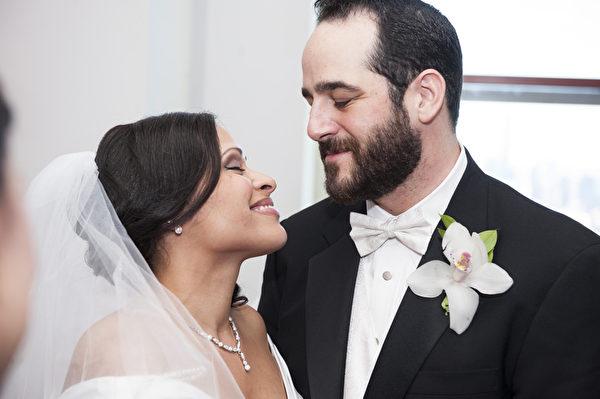 纽约帝国大厦情人节举行结婚庆典(戴兵/大纪元)