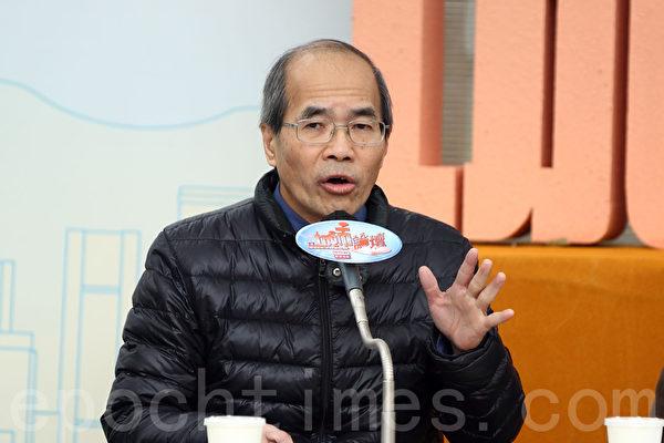 有在商台主持節目的香港時評家劉銳紹透露,曾有大陸官員直接找他到辦公室指罵他半小時。他指,這類壓力一直存在。(潘在殊/大紀元)