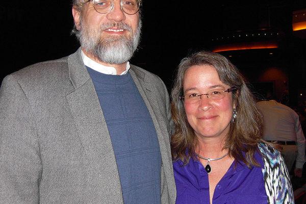 """2014年2月25日晚,美国代顿大学MBA课程的代理主任曼迪•施兰克(Mandy Schrank)女士观看了神韵巡回艺术团在美国俄亥俄州代顿市疏斯特艺术中心的首场演出后,表示她很喜爱神韵的节目,她说:""""神韵所呈现的中华传统文化让她感到非常有启发,能更好地理解到人都是从何而来的。""""(陈虎/大纪元)"""