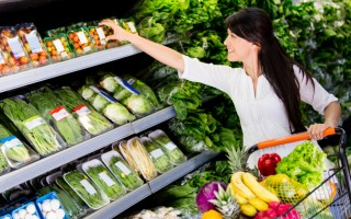 夏季蔬果營養又具有生物活性的水,能清熱瀉火。(Fotolia)