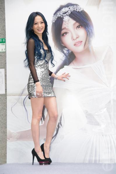 张韶涵在台北庆祝发片与第二家新鞋店开张。(黄宗茂/大纪元)