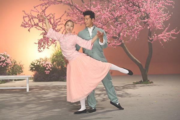 MV中,王若琳與張耀揚被安排合舞。(台灣索尼提供)
