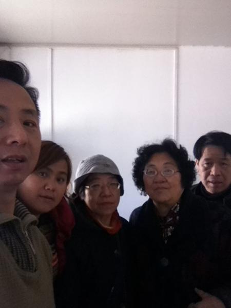 3月5日,來自各地的訪民到北京朝陽區紅寺村的最高法院來訪接待室申訴立案大廳上訪。(知情者提供)