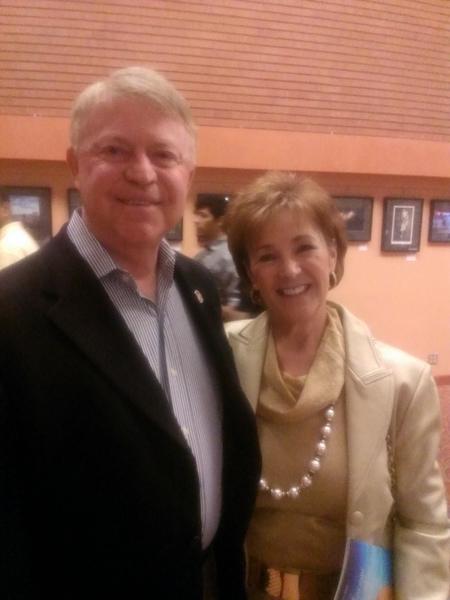 Steve Berman先生跟太太一起观看了神韵的演出。(屈婧/大纪元)