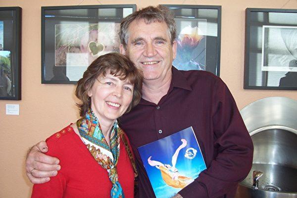 花店老板Sanly Piorkowski和太太。(周容/大纪元)