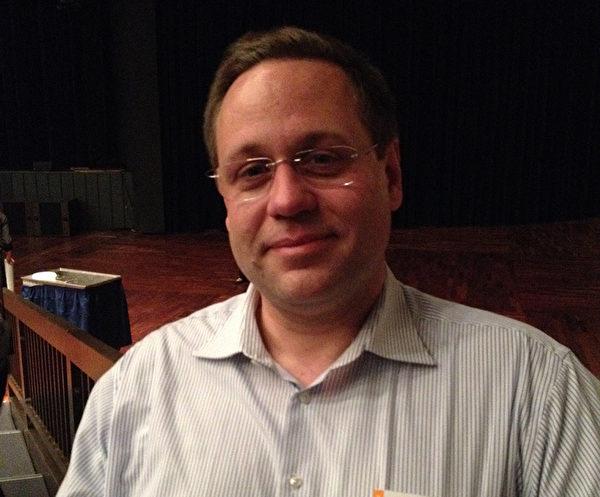 乐队指挥Bernd Fugelsang表示,神韵的音乐是独一无二的。(文婧/大纪元)