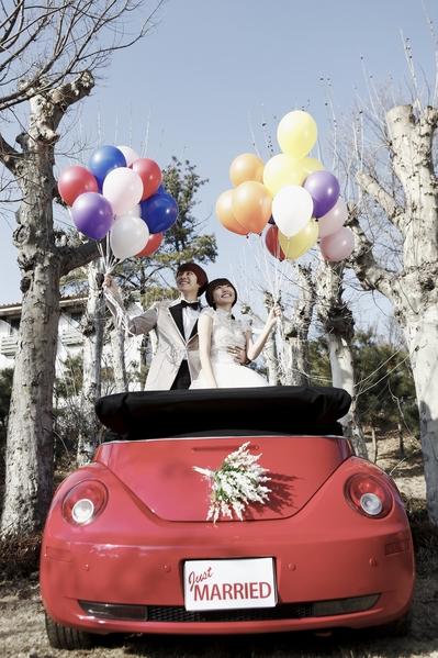 郭雪芙与金希澈在《我们结婚了国际版》第2季中的婚纱照。(FOX提供)