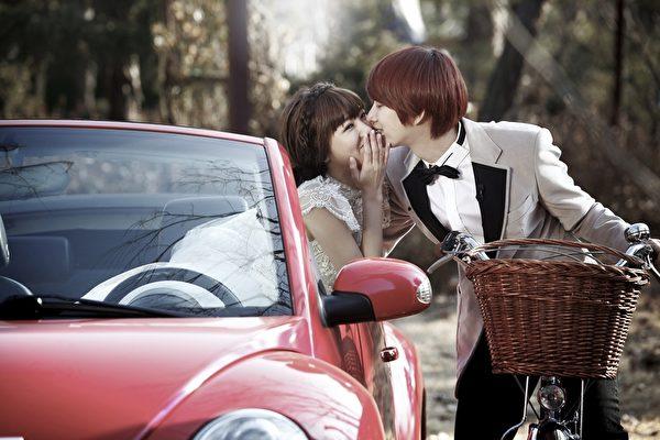 郭雪芙与SUPER JUNIOR成员金希澈参加韩国《我们结婚了国际版》第2季演出。(FOX提供)
