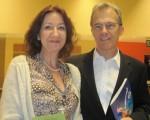 醫療保健公司的董事Dixon Duval與太太Valerie表示,他們都為神韻的美麗所傾倒。(李書穎/大紀元)