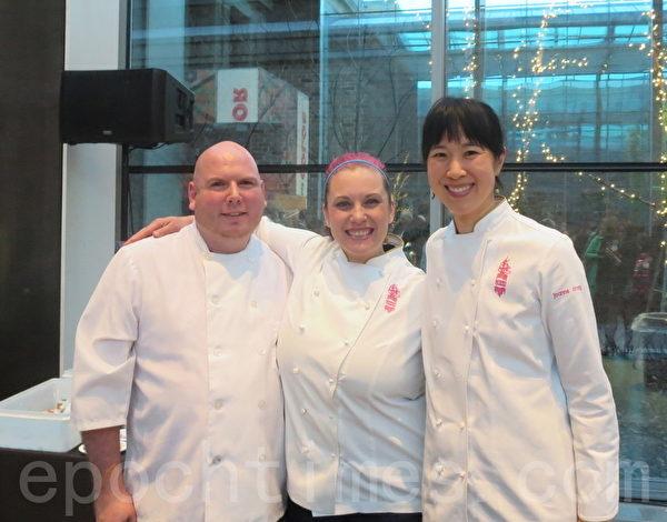波士顿名厨张柔安(右一)与团队成员合影。(秦川/大纪元)