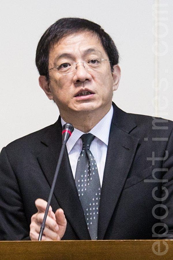 国发会主委管中闵31日表示,示范区的法规松绑,在市场开放下可带来更多机会。(庄丽存/大纪元)