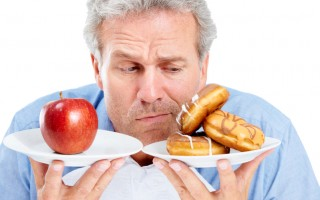 瘦身飲食除了多吃蔬果和少碰甜食之外,還有一些隱藏陷阱,可能使自己在不自覺情況下就悄悄然體重爬升。(Fotolia)