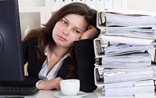 在工作與家庭的雙重壓力下,現代女性已不堪重負。(Fotolia)