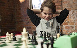 美国6岁西洋棋神童卢卡斯(Lucas Foerster-Yalamas)被视为未来大有可为。(摄影:Samira Bouaou /大纪元)