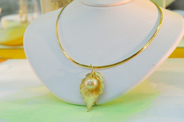 现在珍珠宝石已经成为女性们的必备品(图/大纪元)