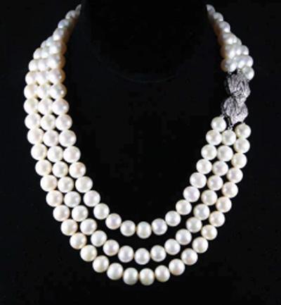 多串层次型珍珠项链〈KOBE PEARL公司提供〉