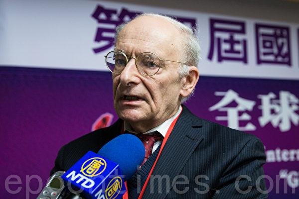 2013年11月,加拿大国际人权律师大卫‧麦塔斯(David Matas)再度在台湾举办的第四届国际人权教育研讨会揭露中共活摘法轮功学员器官的罪恶(大纪元)