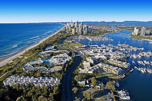 被称为沿海城市中的遗珠澳洲黄金海岸,以其独特的神秘感和遗世独立的隐逸之姿。(澳洲旅游局 Tourism Australia 提供)