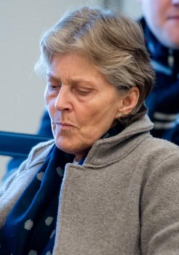 今年3月13日,苏珊娜·赫内斯在法庭内等待他丈夫的偷税案开庭。(SVEN HOPPE/AFP)