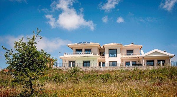豪华别墅,可欣赏美丽海景和乡村景色。(PRO PORTUGAL公司提供)