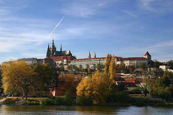 美丽的欧洲名城布拉格,在欧洲拥有悠久的历史。(维基百科)