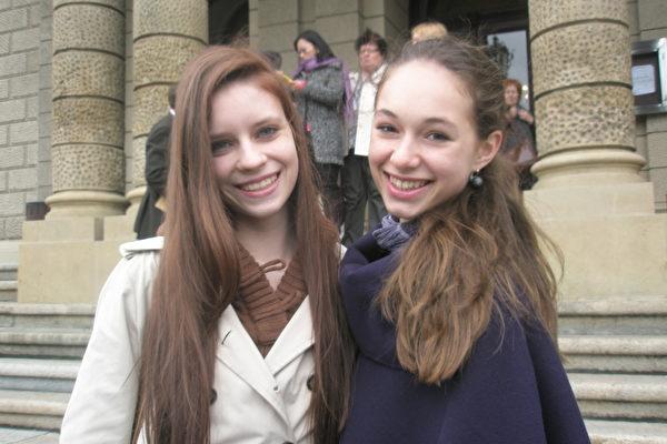 古典芭蕾舞演员Aneta Balejanisova和Nela Petrova小姐热爱神韵。(文华/大纪元)