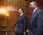 """中共总理李克强星期天开始非洲四国之行,临行前他承认中非关系面临问题,有评论认为中共在非洲的所作所为带有""""殖民主义""""意味。(图片来源:Getty images)"""