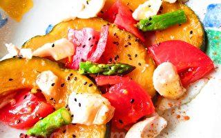 玩料理:白肉魚綴彩蔬盤