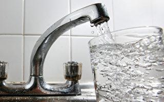 英国饮水监控单位抽验,在水中发现古柯碱代谢物Benzoylecgonine及布洛芬(ibuprofen)。图为英国伦敦一家厨房水龙头。(Cate Gillon/Getty Images)