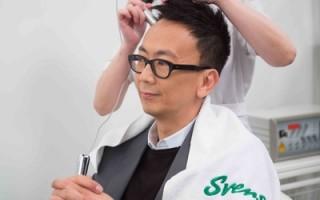 郑丹瑞(阿旦)是史云逊的忠实客户,由于家族有遗传性脱发,阿旦持之以恒到史云逊接受疗程,至今头发仍保持浓密。(图片|史云逊护发中心提供)