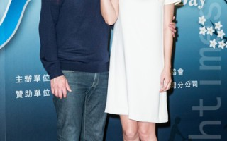 艺人李易(左)、六月近照。(陈柏州/大纪元)