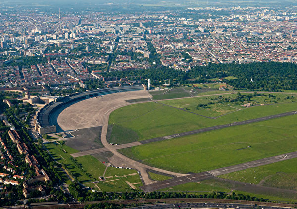 柏林选民25日以公投反对当局的大规模兴建计划,保留近年高人气的柏林绿地公园。(AFP)