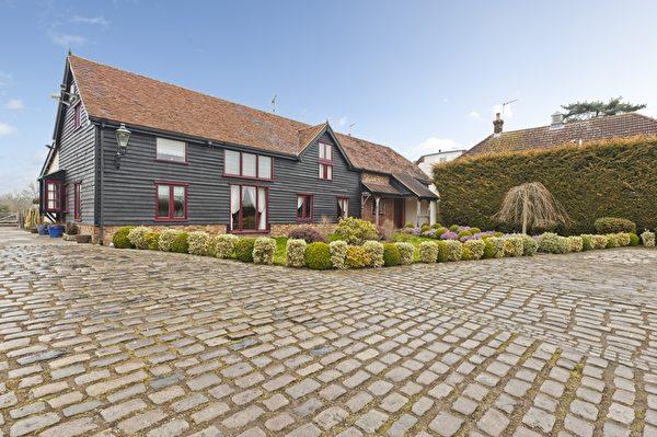 Rectory Lane, Shenley 价格:350万英镑 特点:占地约10亩、带两卧室小别墅、马棚、乡村靓景、近生活设施。(开发商提供)