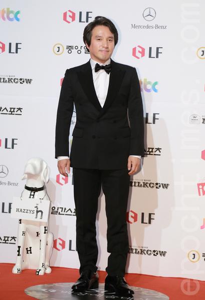 电视类最佳男演员赵宰贤(又译:赵在铉,曹在显)。(全宇/大纪元)