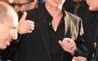 2014年5月28日,布莱德•彼特出席《黑魔女:沉睡魔咒》首映式。(Jason Merritt/Getty Images)