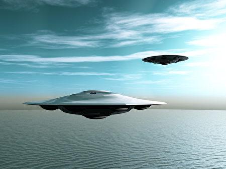 从古至今,一直有关于外星人的记载和报导,还有很多人声称见过飞碟和外星人,甚至还有称外星人拿人类做实验的报导……,外星人是否存在一直是人们热衷于探讨的话题。(fotolia)