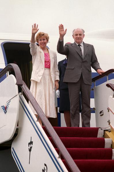 1989年5月19日,戈爾巴喬夫伉儷訪華。(AFP)