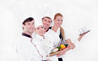 中醫可以幫助在餐館工作的廚師們,忙碌中也能顧得上健康。(Fotolia)