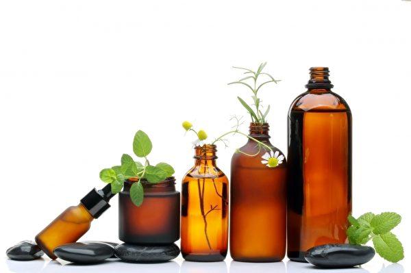 掌握保養正確步驟,在家中也能用簡易的精油、乳液,在家享受SPA級護理!(Fotolia)