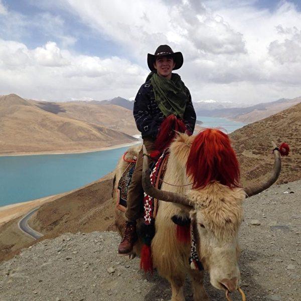 亨利•德格魯特前往西藏旅行。(亨利•德格魯特提供)