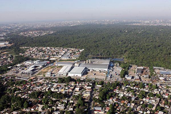 俯瞰巴西马瑙斯工业区(EVARISTO SA/AFP/Getty Images)
