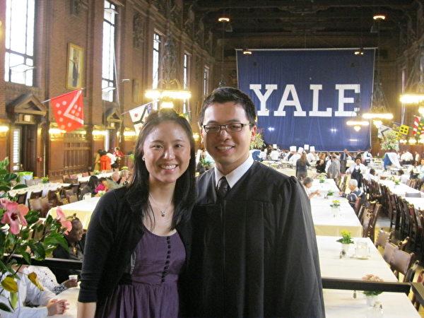 圖:前Kumon的學生Aiden Feng和Elisa Chang。(Kumon提供)