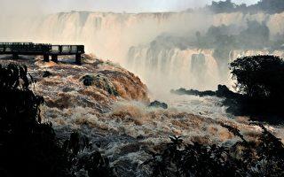 组图:世界七大奇景之一 巴西伊瓜苏瀑布