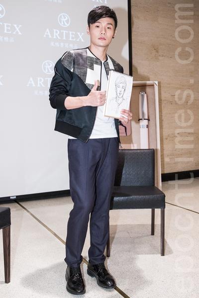 大陆歌手李荣浩6月26日在台北出席文具品牌记者会。(陈柏州/大纪元)